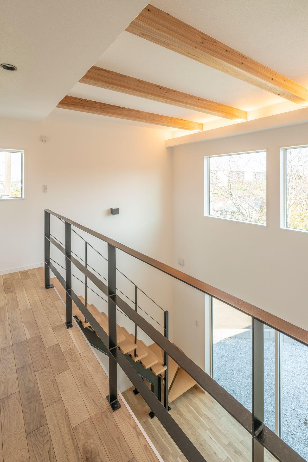 心地よいナチュラルモダンな住まい リビング階段 間取り 住宅 自宅で