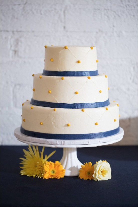 Navy and yellow wedding that breaks free from tradition. #weddingchicks http://www.weddingchicks.com/2014/07/21/modern-navy-and-yellow-wedding/