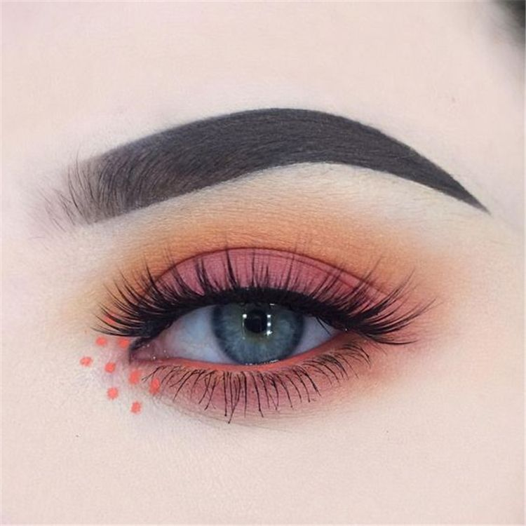 50 Gorgeous Blue Eye Makeup Looks For Day And Evening 2019 – Page 11 of 50