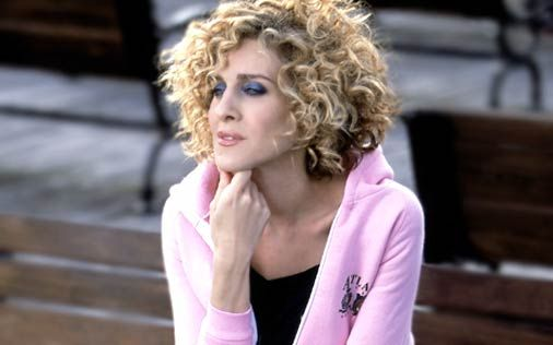 Carrie Bradshaw Photo Carrie Hair Styles Carrie Bradshaw Hair Curly Hair Styles