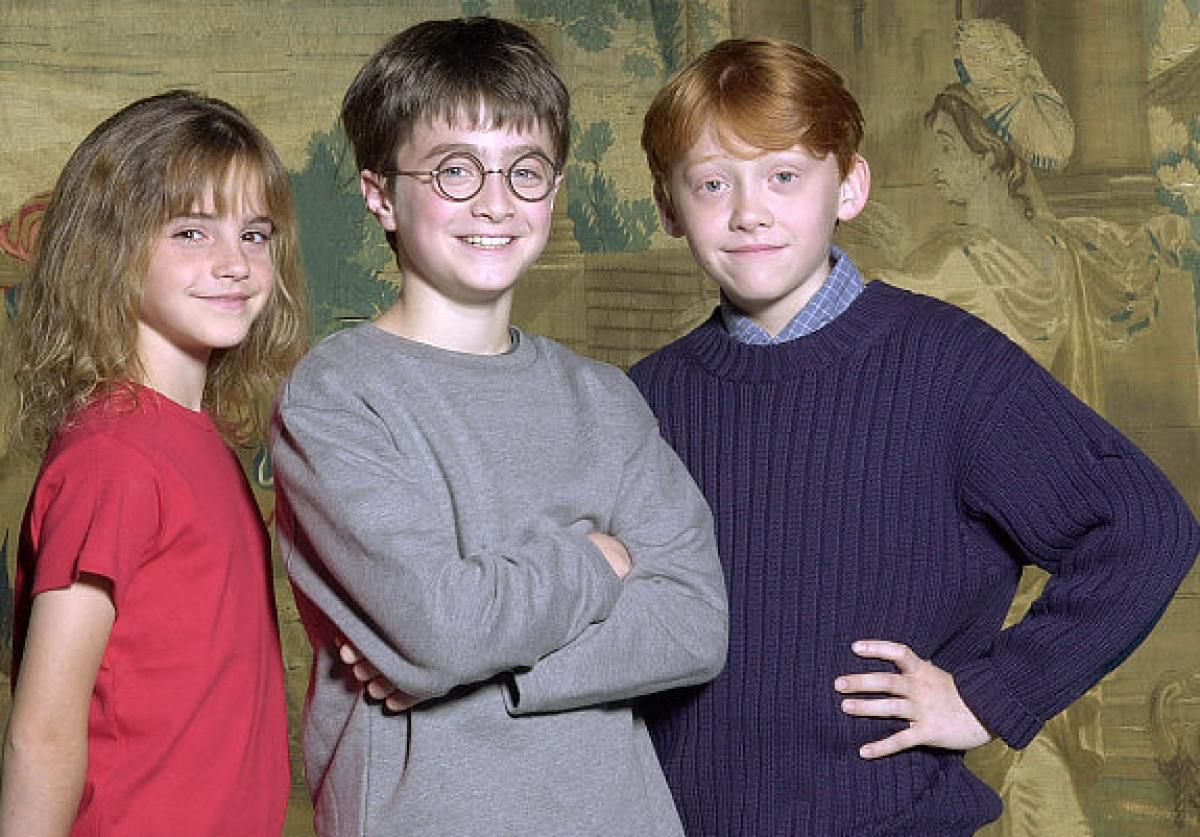 Image from http://assets.nydailynews.com/polopoly_fs/1.100298.1313910290!/img/httpImage/image.jpg_gen/derivatives/gallery_1200/gal-harry-potter-01-jpg.jpg.