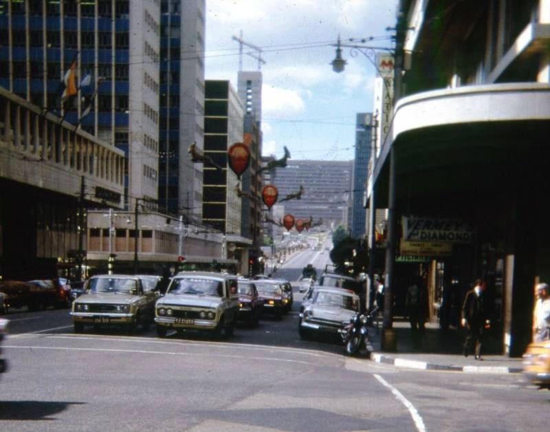 Each Year There Would Be Christmas Decorations In The Streets Of Jhb Awesome At Night Johannesburg Skyline Southern Africa Johannesburg