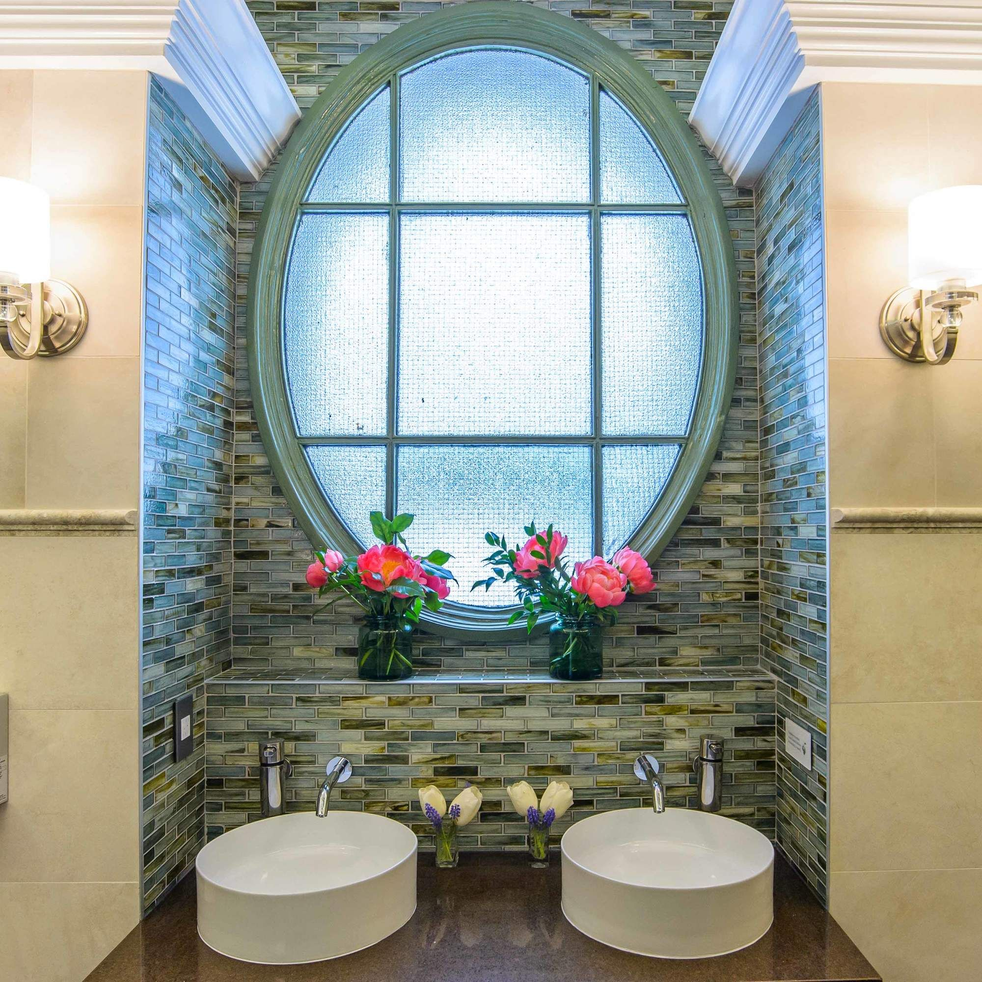 This Is the Nicest Public Bathroom in New York City | Public bathrooms, Round mirror bathroom ...