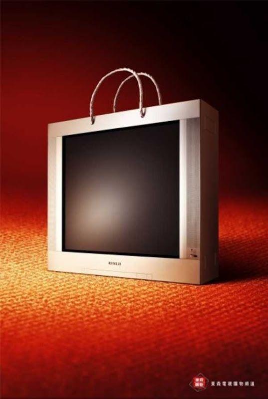 30 Innovative Bag Advertisements | Art & Design  #Advertisements #Art #Bags #Company #Creative #Design #Innovative