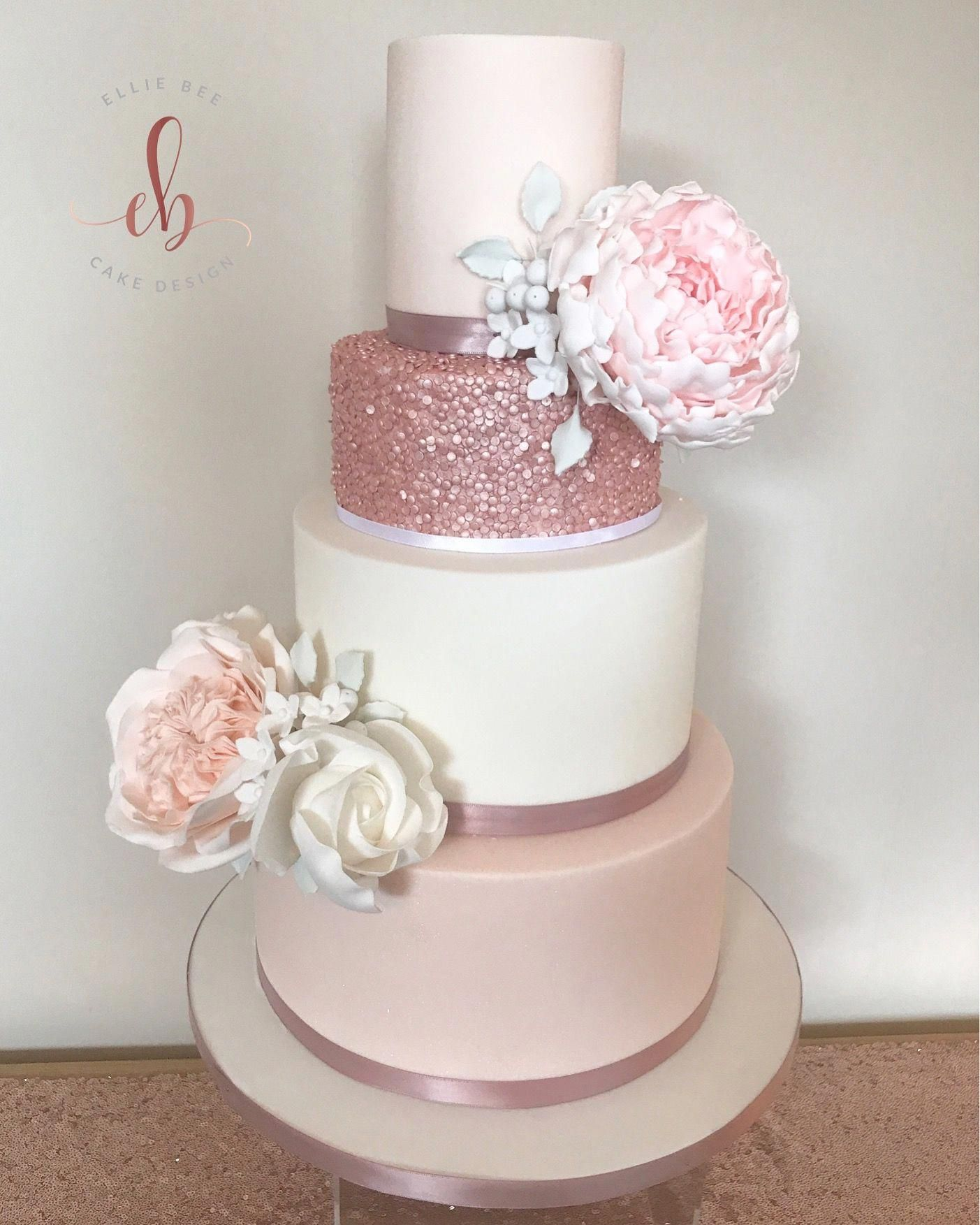 Wedding cakes can go from the simplest to the most intricate decors; each has its own creative distinctions depending on the imaginative juices of the baker. They should comply with the main function of the cake, that whatever embellishments it possess, it can still be edible and can be eaten. #goldweddingcakes