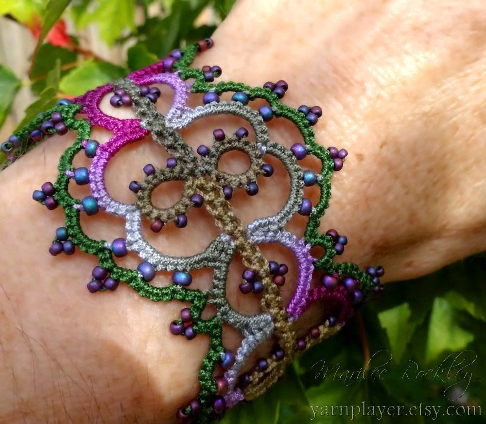 "Yarnplayer's Tatting Blog: New original bracelet pattern with pearl tatting center: ""Linnea"""