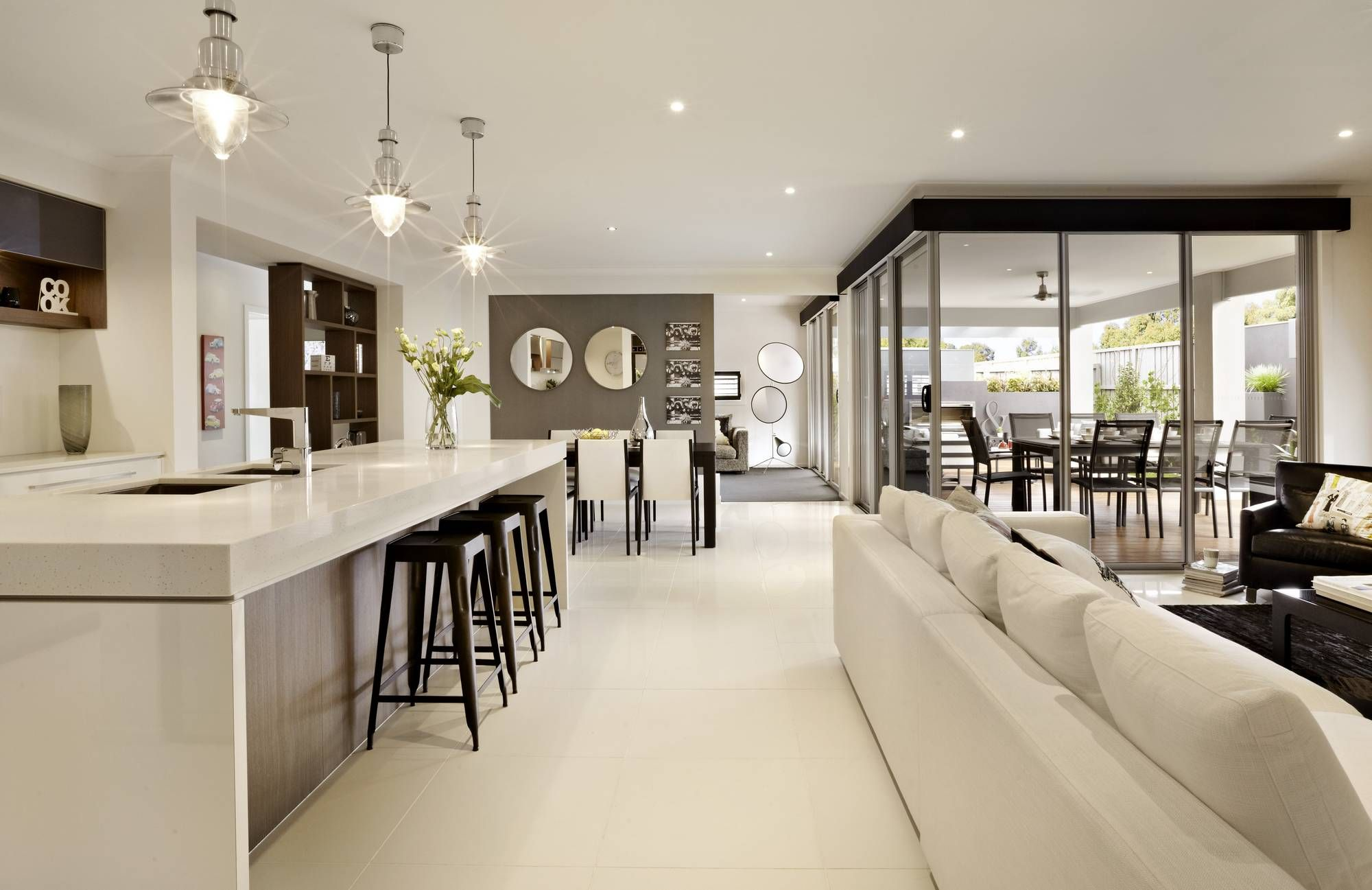 Gorgeous Kitchen Lounge With Corner Sliding Door Dream