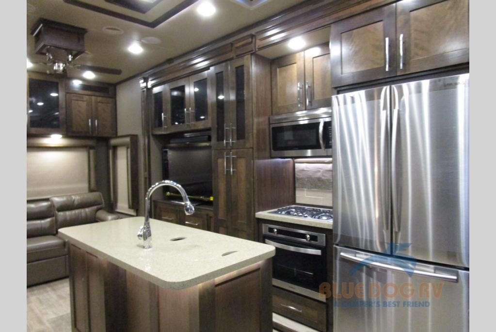 New 2018 Vanleigh Rv Vilano 325rl Fifth Wheel For Sale At Blue Dog