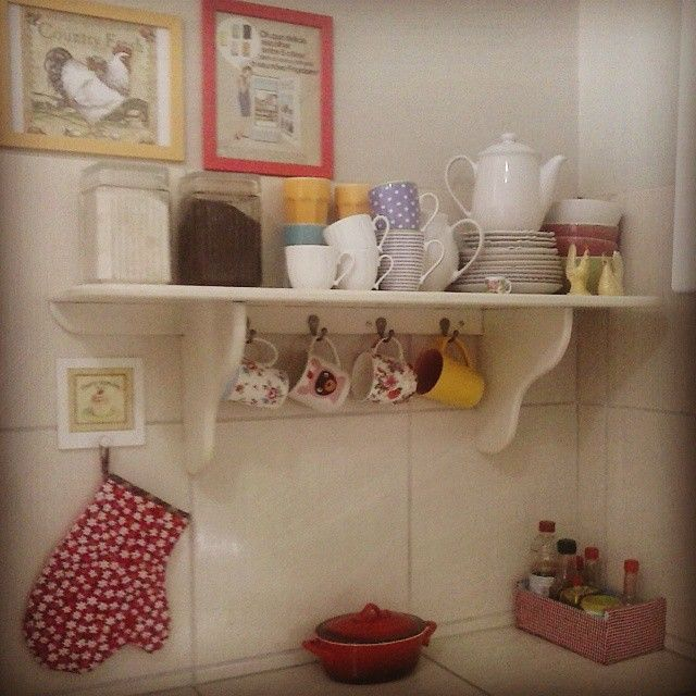 Naiara Tavares (@naiara.tavares.988) | Cantinho da cozinha... #sitecasaaberta #metidaadesignerdeinteriores #decoraçãocriativa #casafofa #cantinhos #amocaseirices #amodecorar #lardocelar #sweethome #sweets | Intagme - The Best Instagram Widget