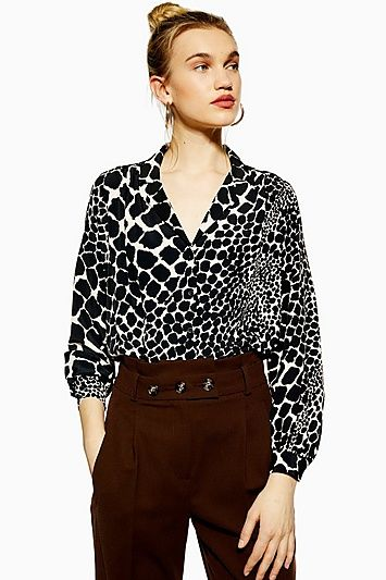 150261991 Womens Giraffe Print Shirt - Black in 2019 | Products | Printed ...
