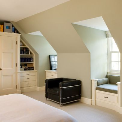Dormer window seats i like the way this is made to look for Dormer bedroom ideas