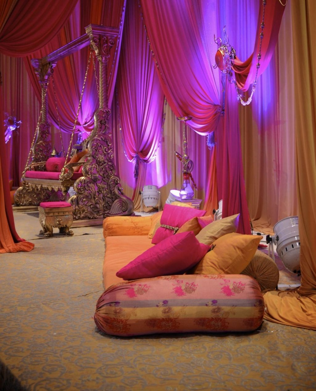 Fantastic Bridal Aisle Decoration With Arabian Style