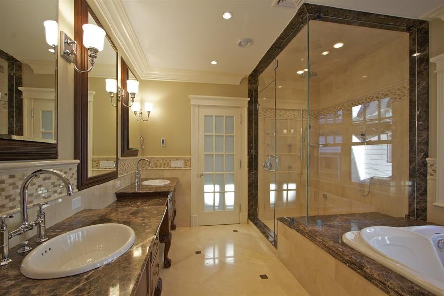 Master bathroom jacuzzi tub shower ideas bathroom ideas for Jet tub bathroom designs