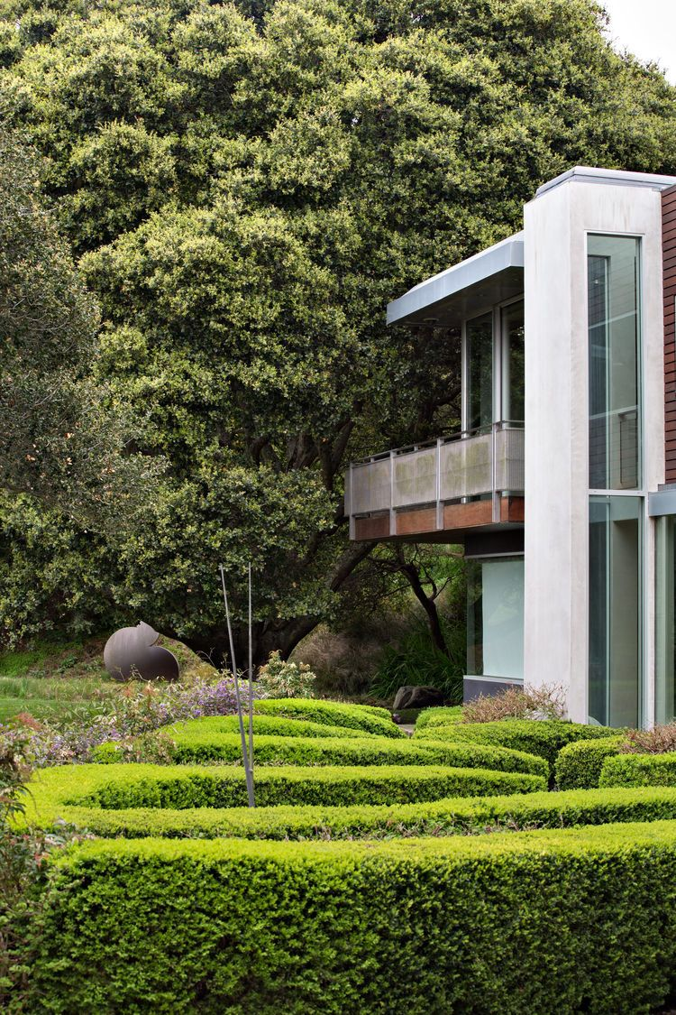 Attractive A California Garden With Zig Zag Hedges. Famous ArchitectureContemporary ... Photo Gallery