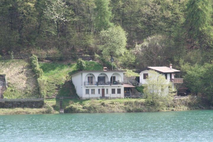 Casa Federica vom See aus Italien urlaub mit hund