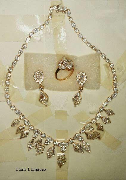 Imelda Marcos ; Diamond Set