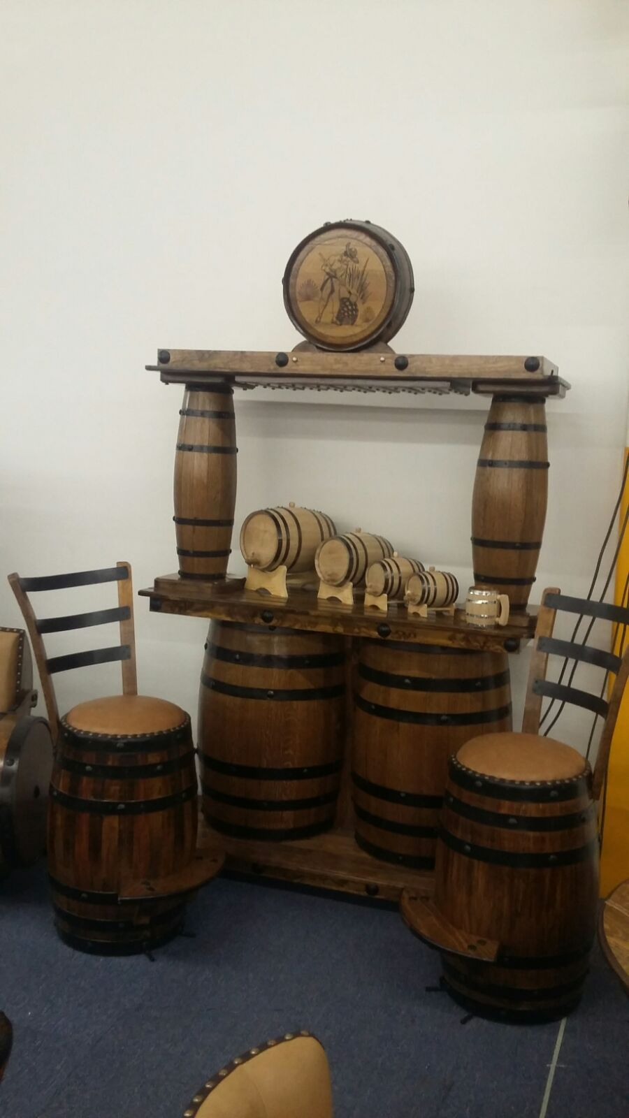 Pin De American Barrels Llc En Furniture Whiskey Used American Oak  # Muebles Para Guardar Whisky