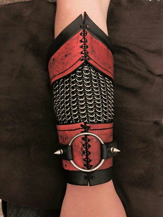 Hanibal King #Chainmaille #Leather                                                                                                                                                                                 Mehr