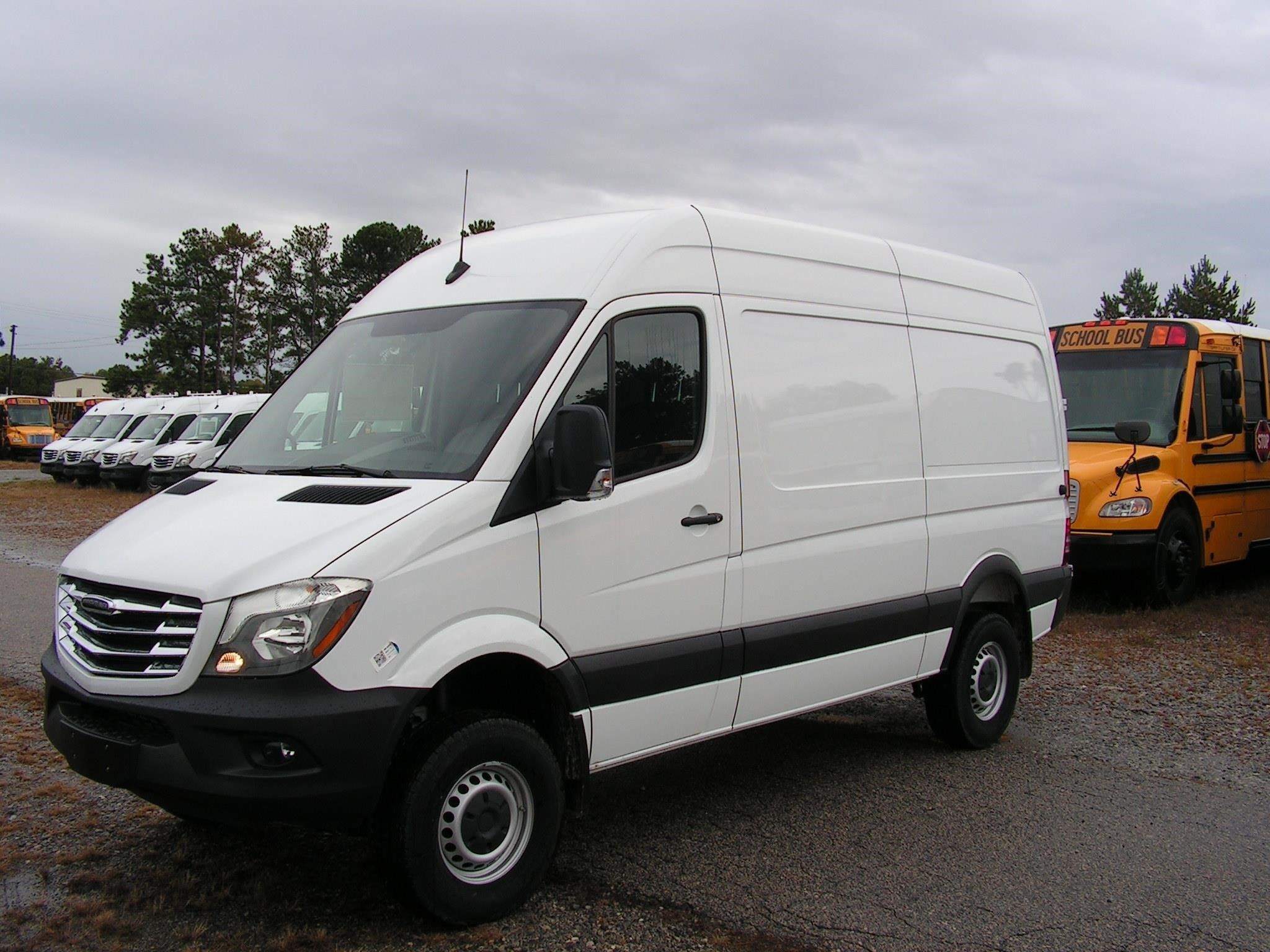 Check Out This 2018 Freightliner Sprinter 2500 Listing In Forest Park Ga 30297 On Commercialtrucktrader Com It Is A Ca Freightliner Trucks For Sale Cargo Van