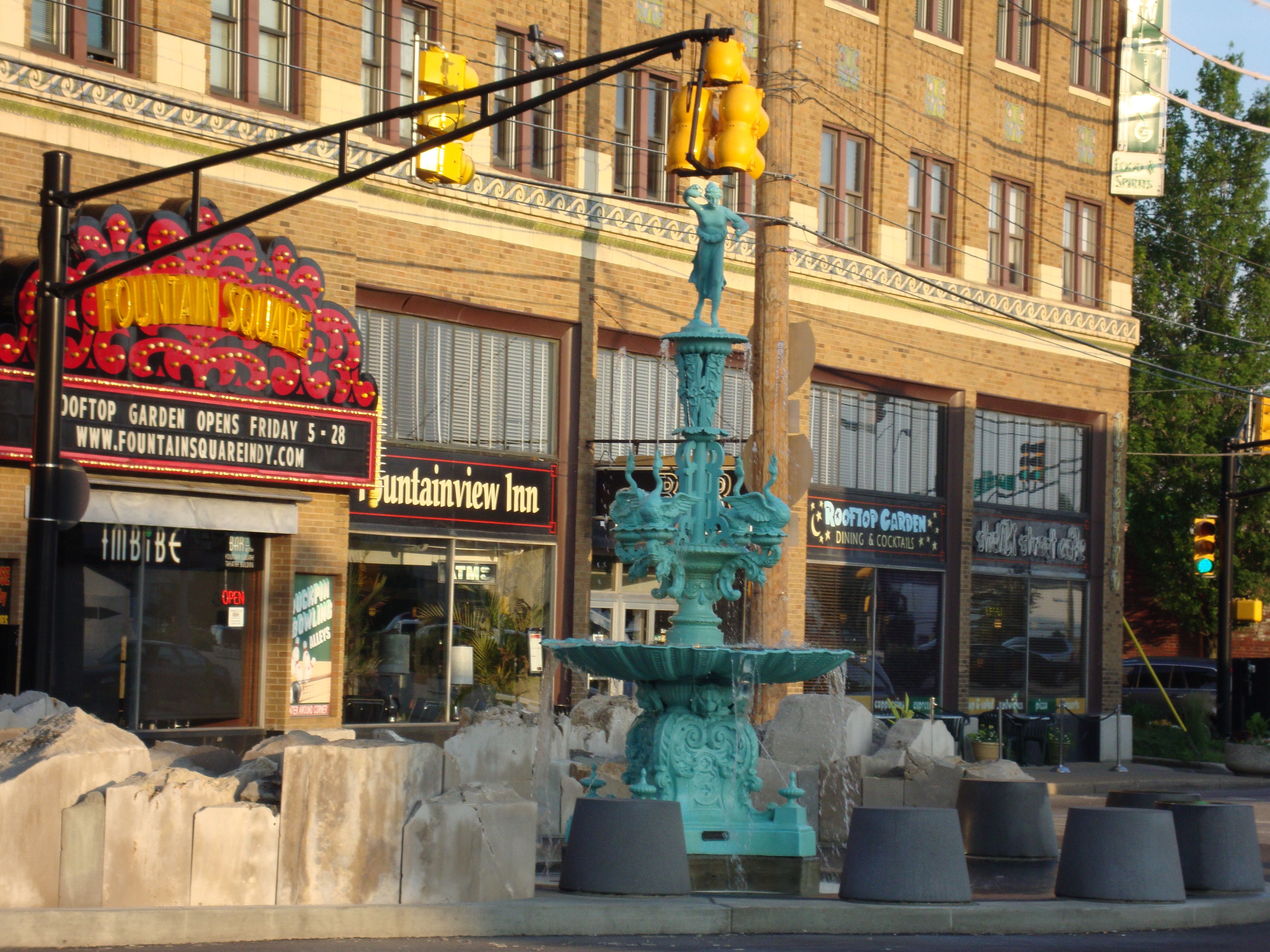 Fountain Square An Amazing Neighborhood Full Of S Restaurants And