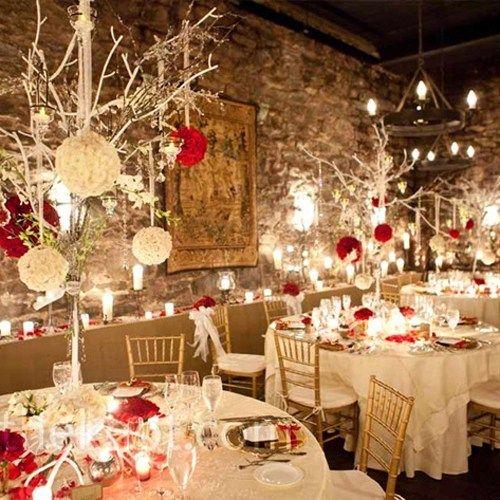 Red Indoor Winter Wedding Decoration Ideas