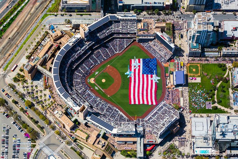 4 Vmfat 101 Sharpshooters F 18s Fly Over Petco Park At The Conclusion Of The National Anthe With Images San Diego Padres Baseball San Francisco Giants Petco Park