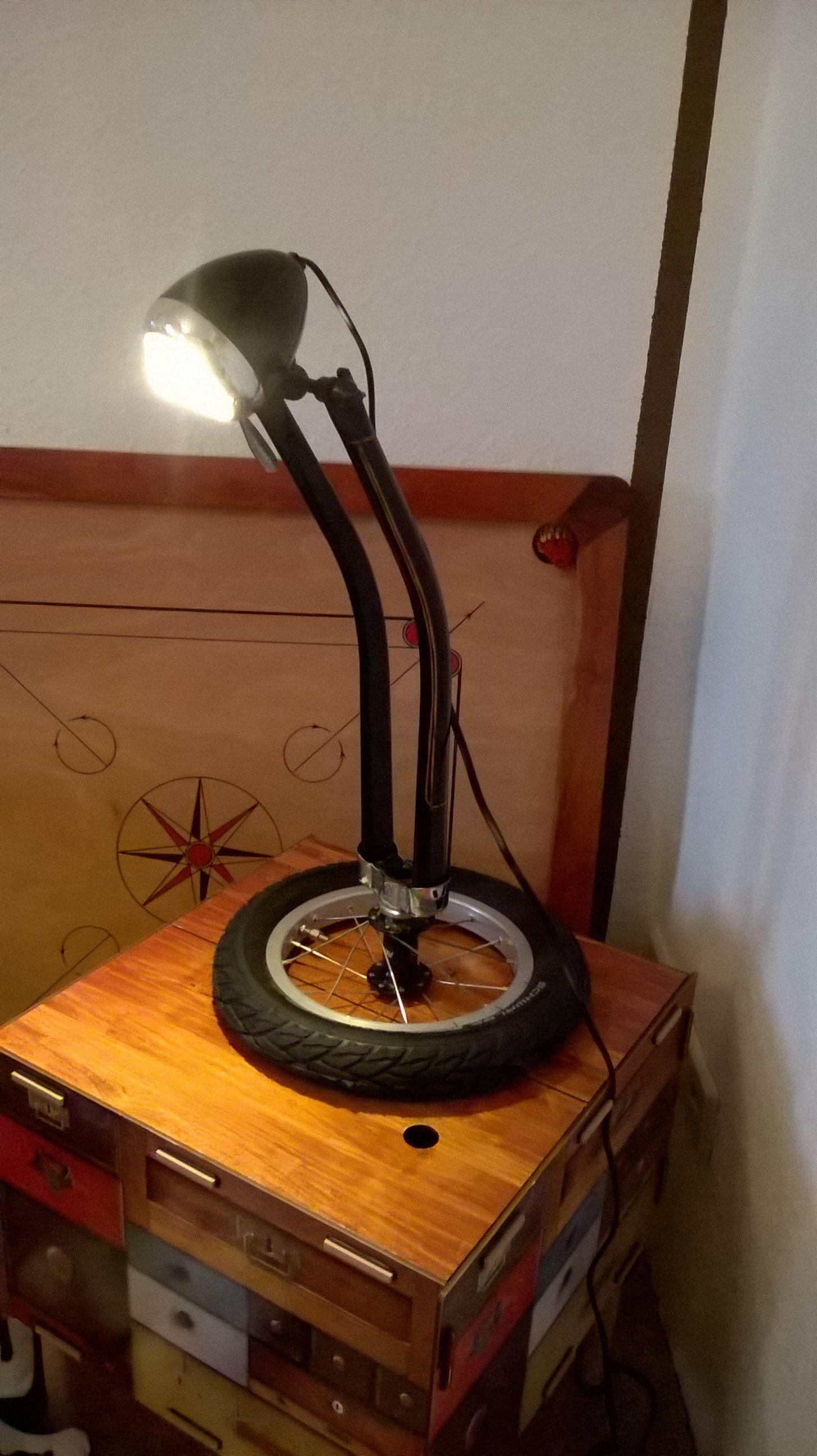 Erstaunlich Upcycling Fahrrad Das Beste Von Lampe Aus Einer Fahrradgabel Möbel