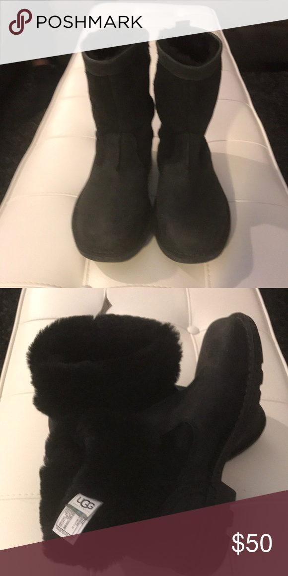 308fb537577 Women's UGG Boot | @Stacie4049 Poshmark | Ugg boots, Uggs, Boots