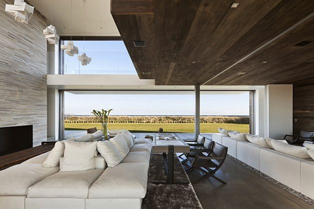 SCULPTURAL SAGAPONACK HOUSE BY BATES MASI ARCHITECTURE Interior