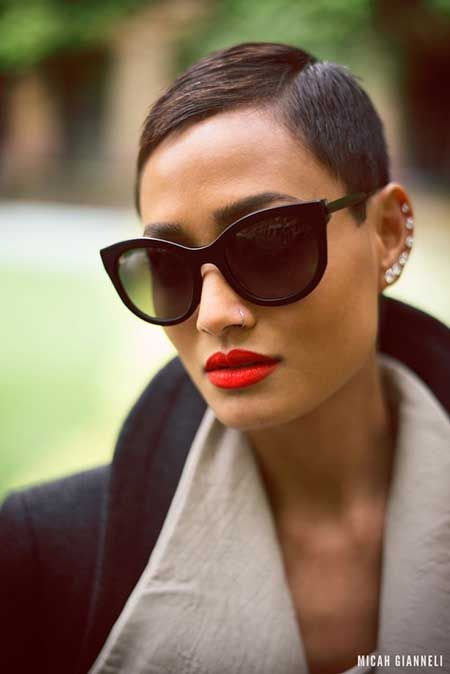 Short Trendy Hairstyle. I love the sunglasses and lipstick color as well.
