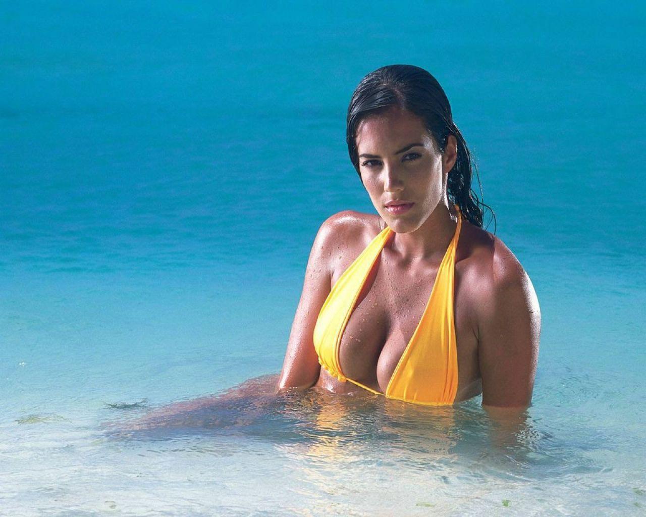 gaby espino bikini 2013 | Scarlet Ortiz | Bikini | Bikinis ...