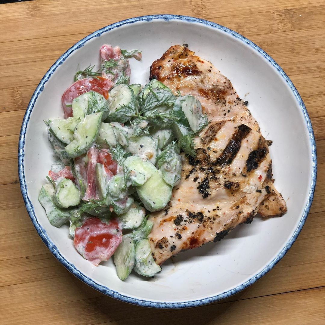 Light Dinner Tried Today Tallegg Fitness Chicken Fillet Steaks 225g Raw Weight Grilled On Side Fresh Salad From Everyt Healthy Recipes Dinner Healthy Eating