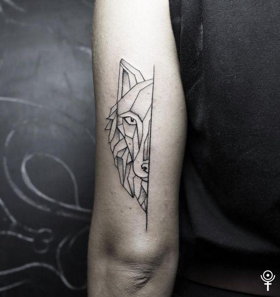 Lurking Geometric Wolf Tricep Tattoo Geometric Wolf Tattoo Simple Wolf Tattoo Geometric Sleeve Tattoo