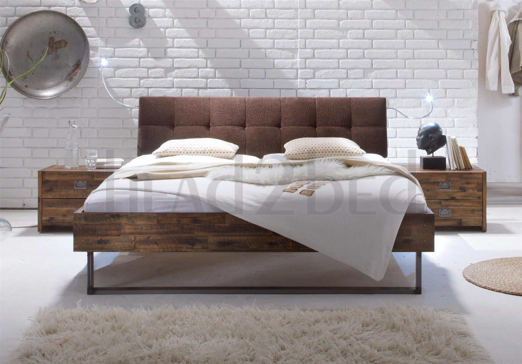 Hasena Indus Ronna Solid Acacia Vintage Real Leather Bed