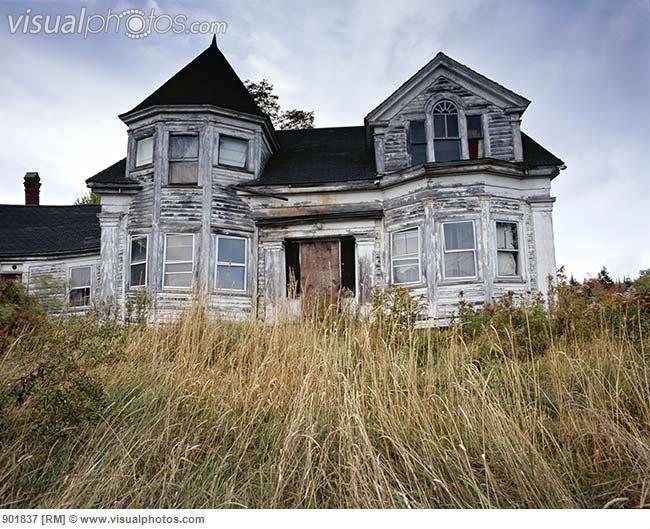 Abandoned house near Cherryfield, coastal Maine [901837] > Stock