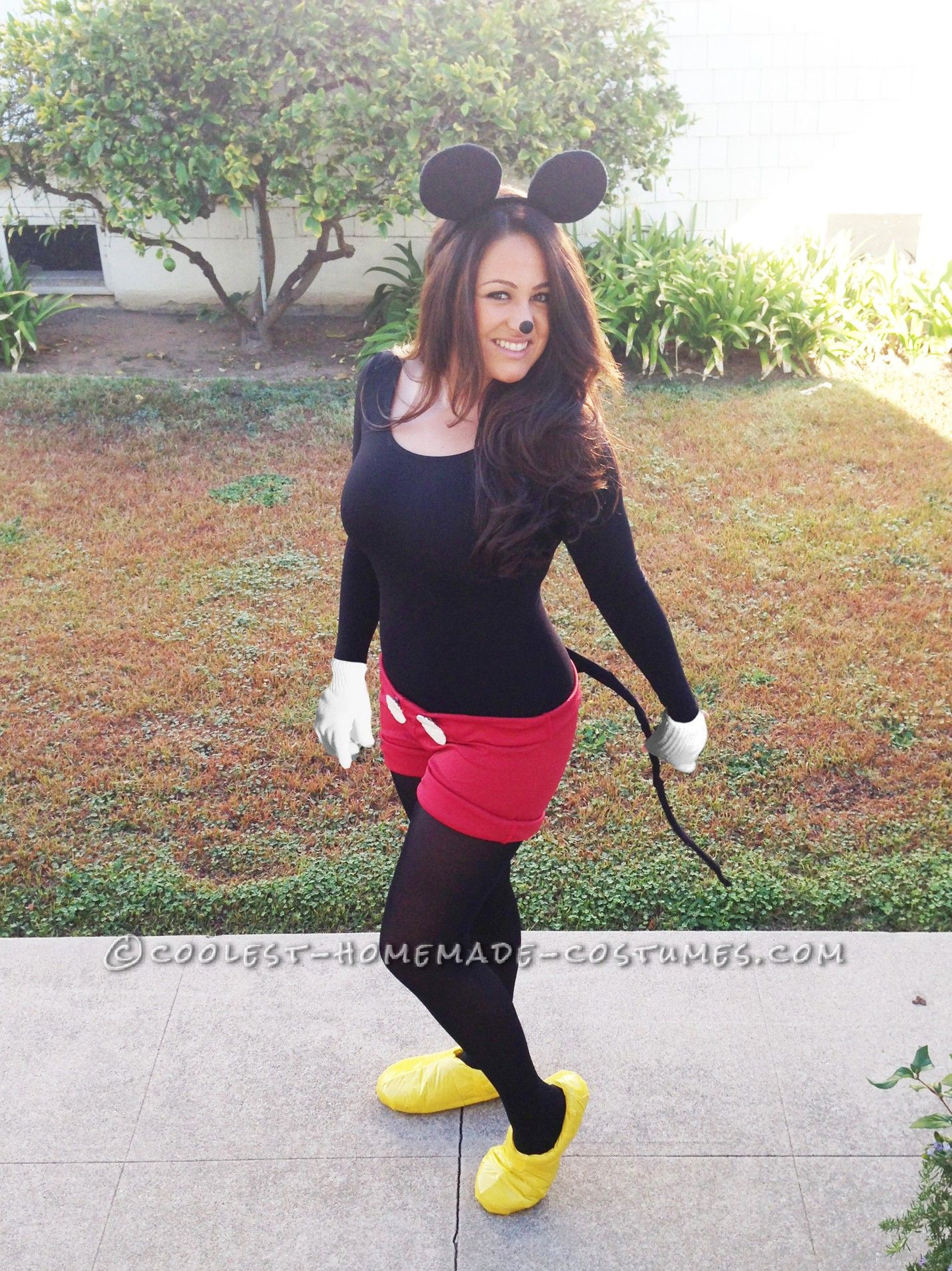 Cute No-Sew Mickey Mouse Costume | Mickey mouse costume, Mouse ...