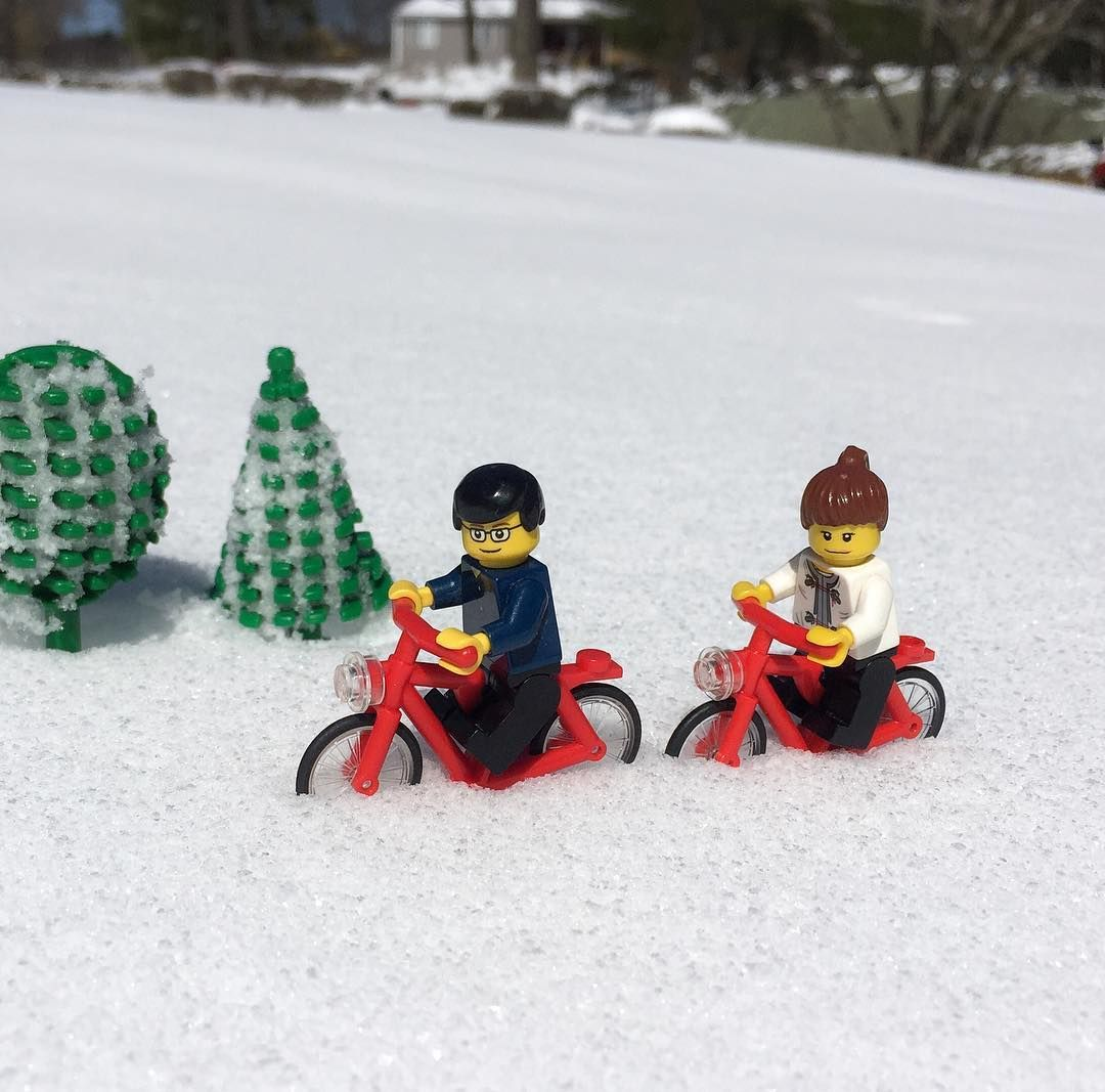 Riding in the snow! #livinglego #LEGO #legocouple #snow #riding #bike #spring #april #aprilsnow #massachusetts #USA #리빙레고 #레고 #레고부부 #눈 #라이딩 #자전거 #봄 #4월 #눈 #매사추세츠 #미국 by livinglego