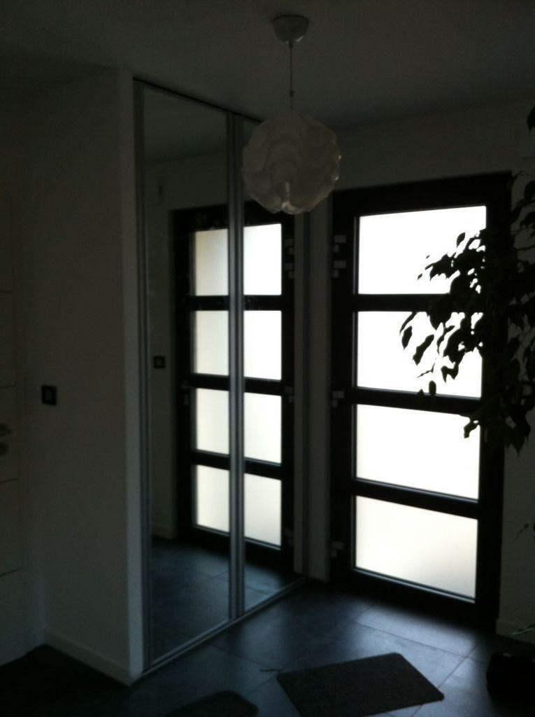 porte miroir du placard de l 39 entr e en place entr e. Black Bedroom Furniture Sets. Home Design Ideas