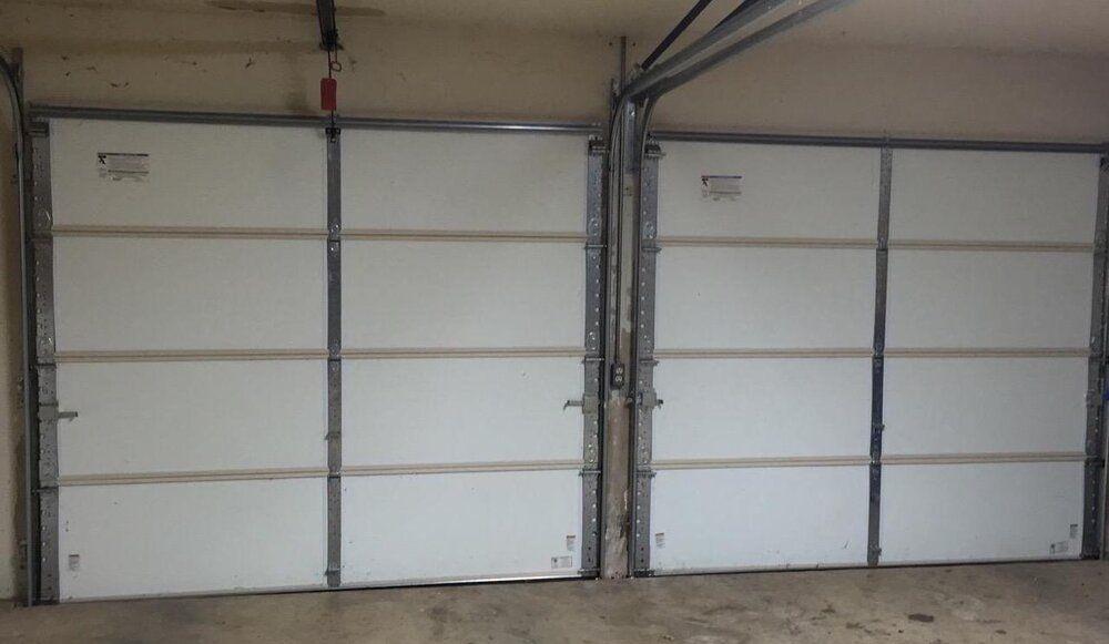 The Best Garage Door Lubricant Garage Doors Best Garage Doors Garage Door Lubricant