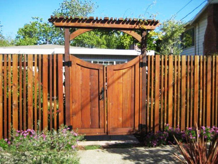 Top Boards Match Spacing And Width Of Fence Style Fence