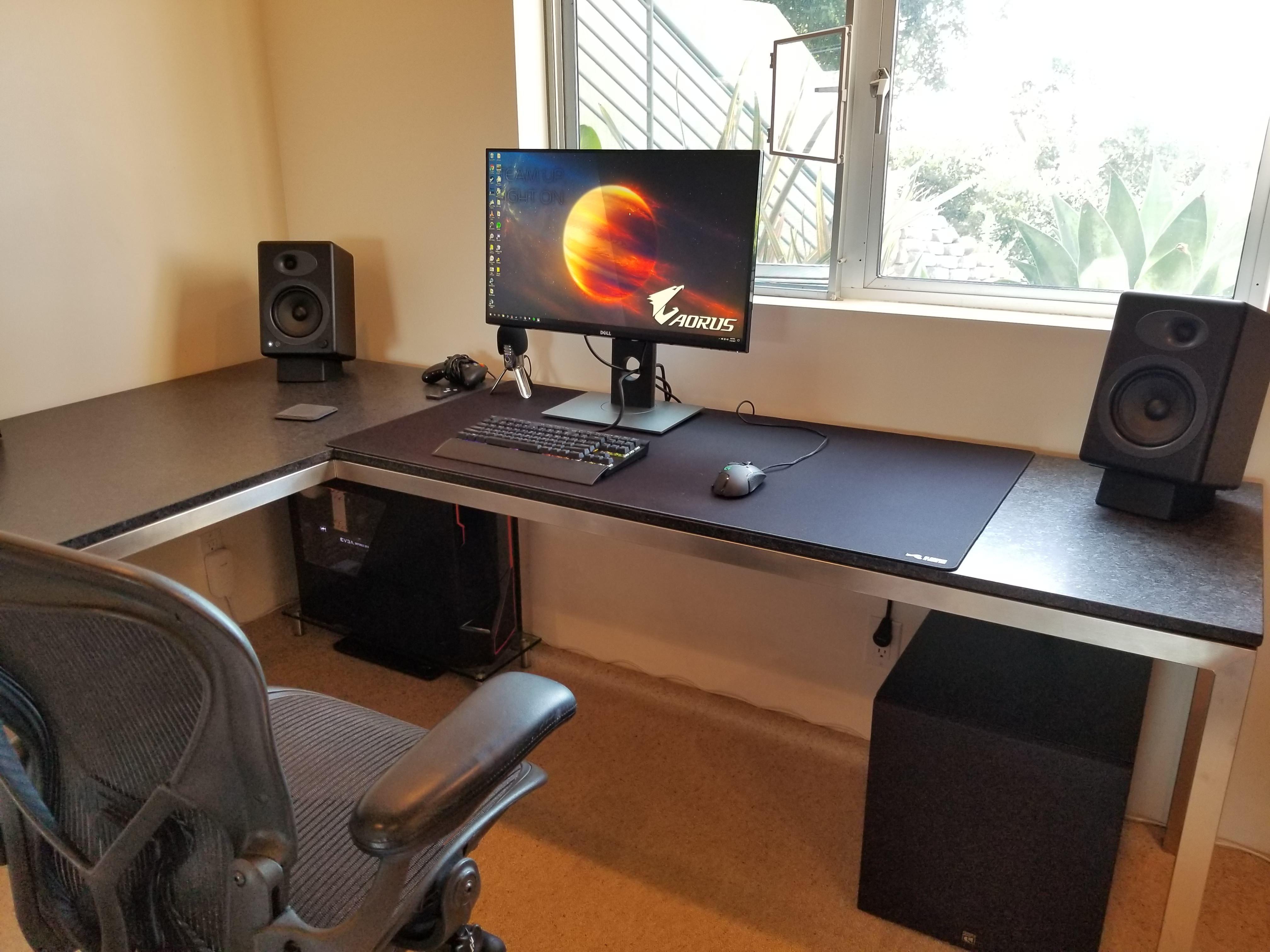 Station at which I do battle Desk setup, Pc setup