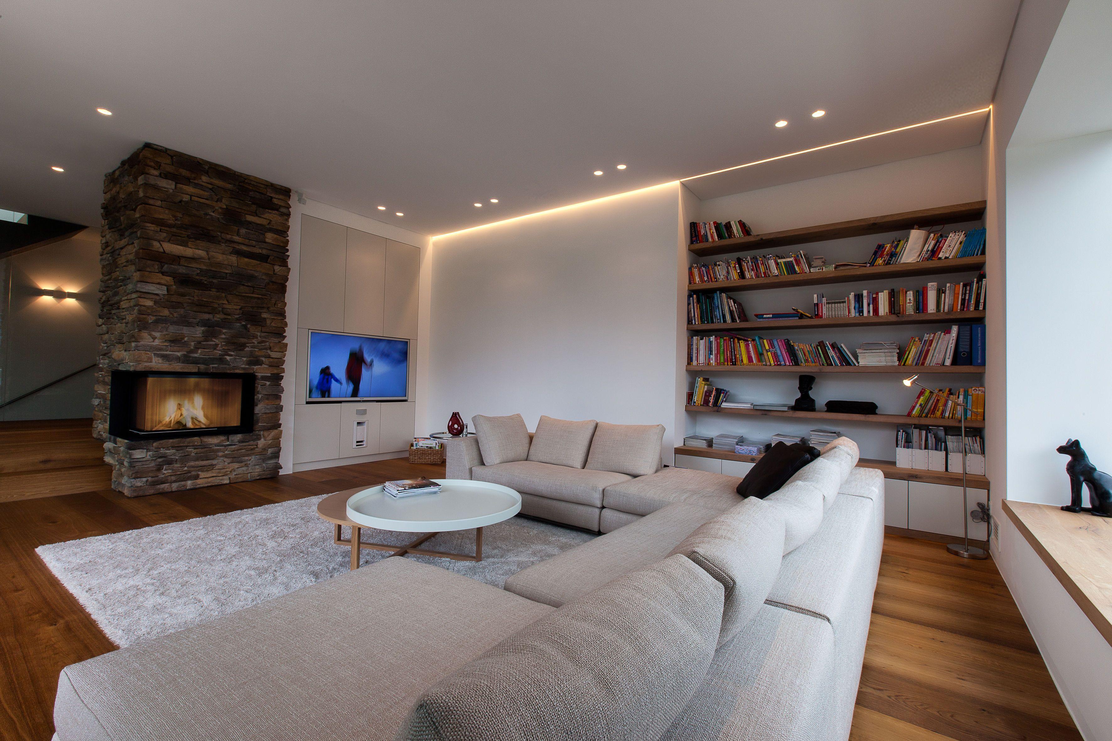 Natursteine, Holzboden und ein prasselnder Kamin: Energiesparen kann ...