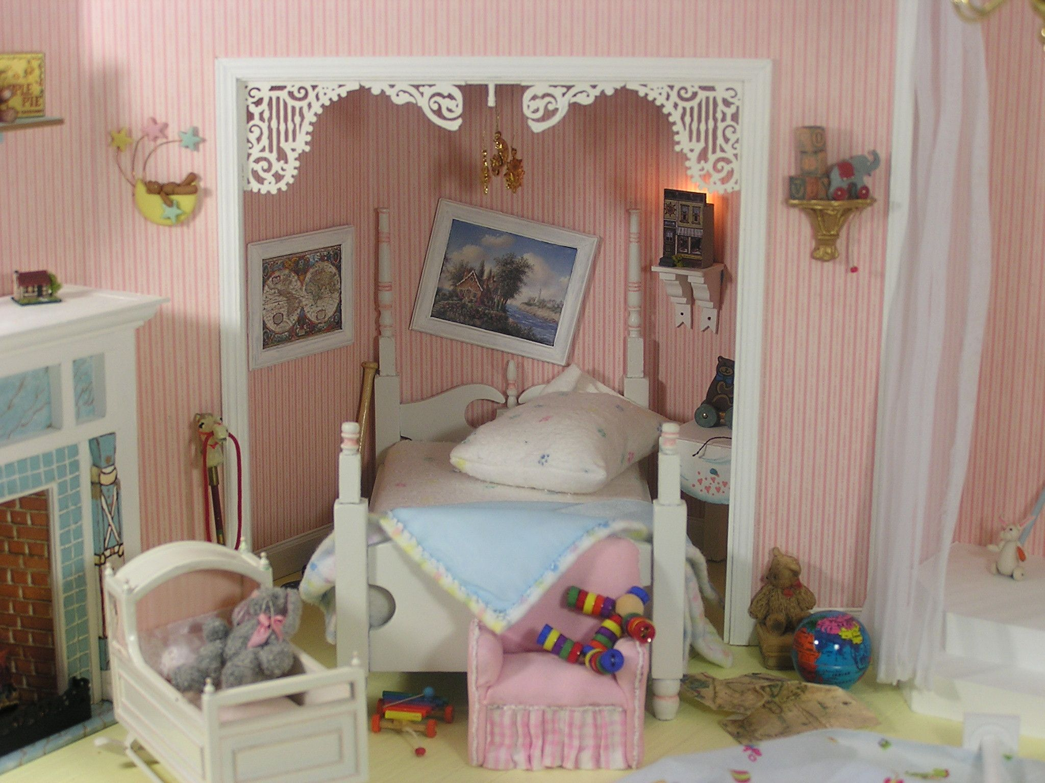 112 scale miniature roombox based on the childrens room from the movie hook with robin williams dustin hoffman sleeping nook left side - Robin Williams Bedroom