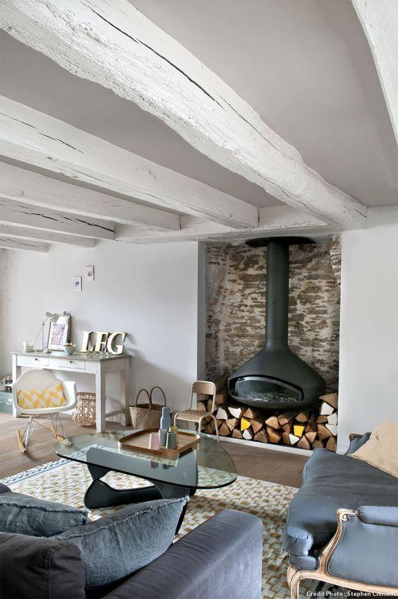 Rénovation du0027une ancienne maison de pêcheur Modern rustic decor - deco maison ancienne avec poutre