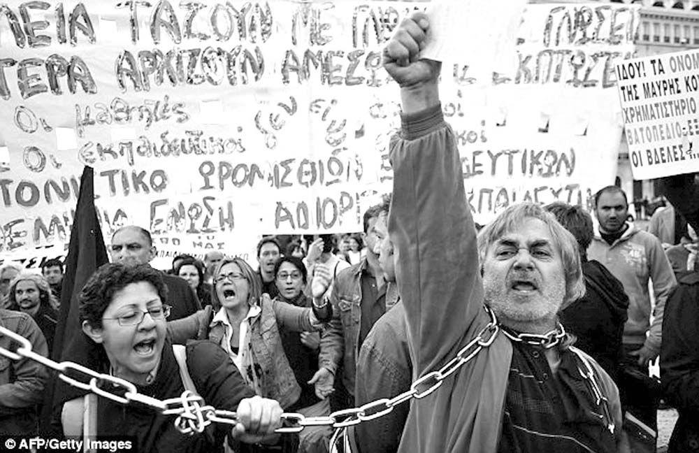 La Mancha Obrera: La 'Troika' pide que los griegos trabajen seis días a la semana