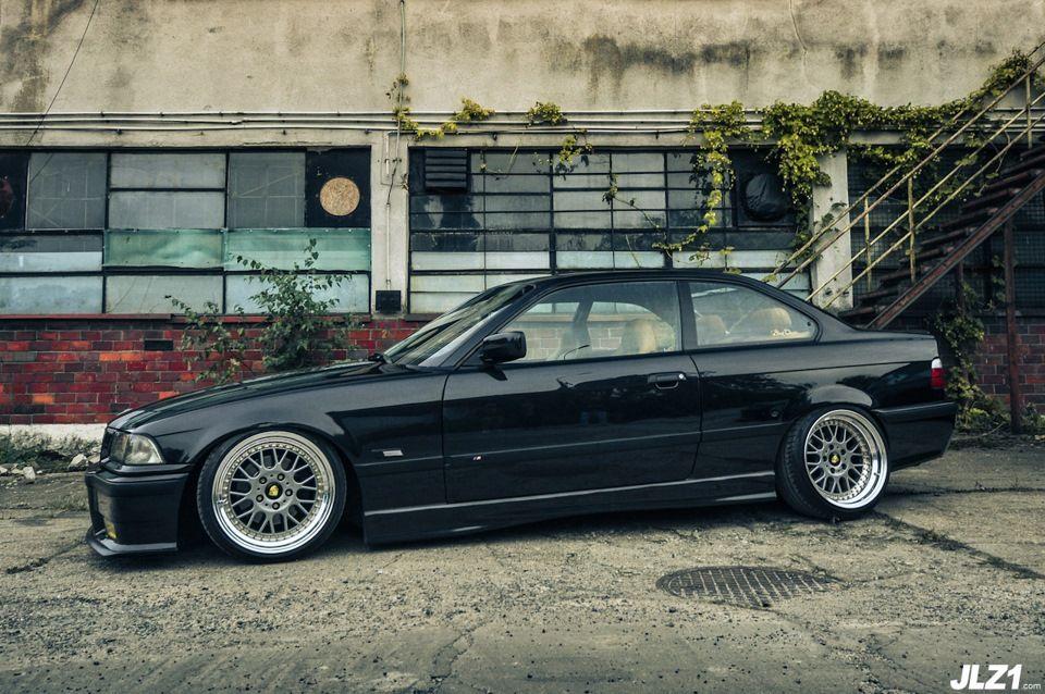 Black BMW e36 coupé on rare 3 piece Mille Miglia MM2000 wheels