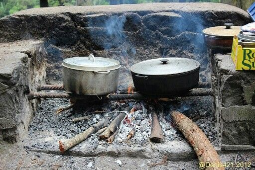 cuisine au feu de bois la r union le de la r union pinterest feux de bois la reunion et. Black Bedroom Furniture Sets. Home Design Ideas