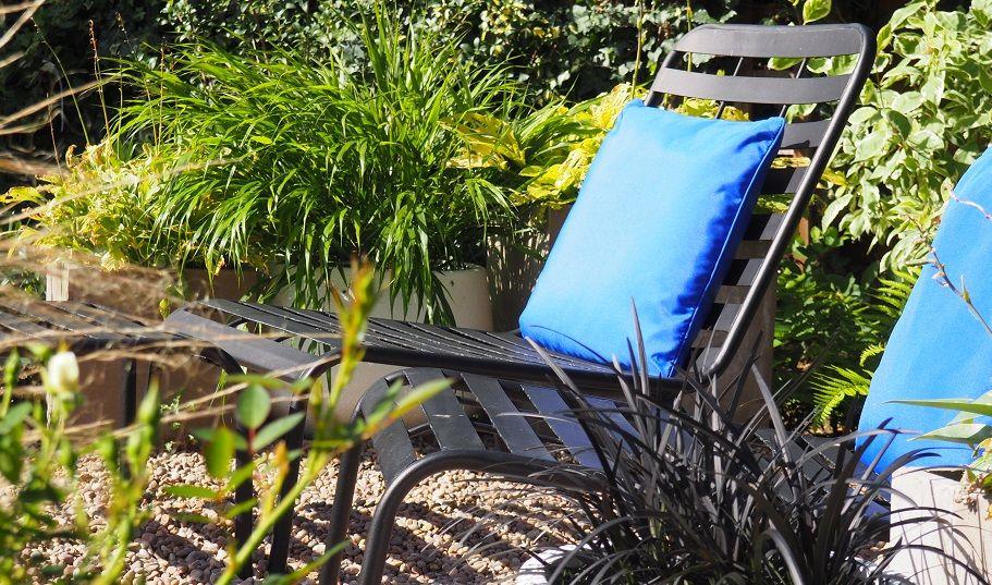 Contemporary garden Htchin | Contemporary garden, North ...