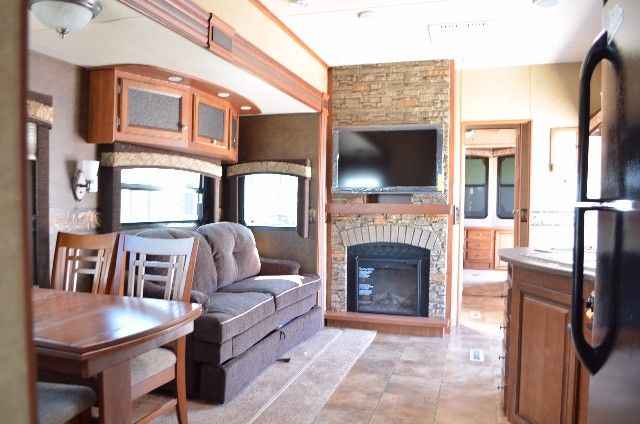 Jayco Bungalow 40bhs 2017 Park Model Travel Trailer Jay Flight Features An Open 40 Foot Floorplan With Comfortable Living Es Ample Storage