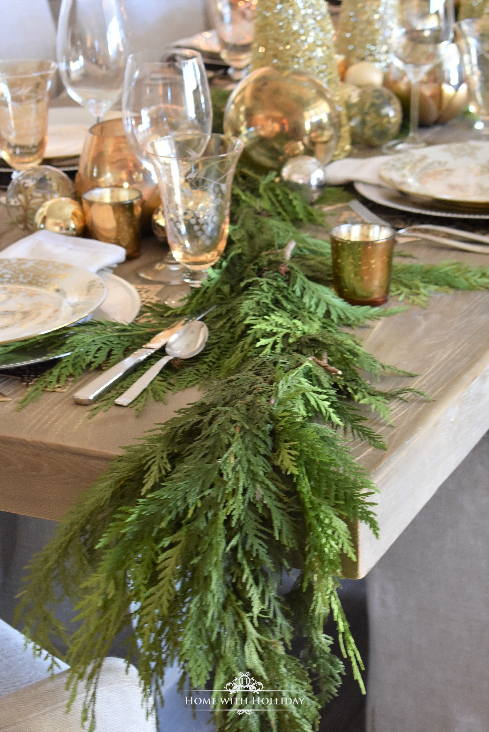 Gold And Silver Snowflake Christmas Table Setting With Images Christmas Table Settings Christmas Table Holiday Tabletop